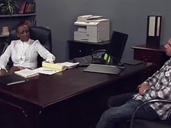 Director y estudiante de sexo en el cargo