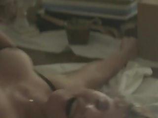vid: Gemma Arterton - Gemma Bovery (2014)
