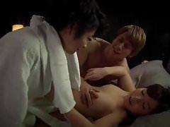 Una doccia Triangolo d'amore improvvisa