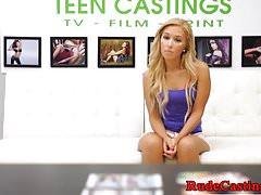 Audizione per casting brutale per teenager reale