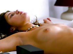 Adele Exarchpoulos - Orphelin (slomo)