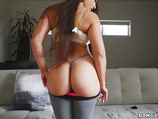 Big Ass Latina Marta La Croft在小狗和女牛仔上彈跳