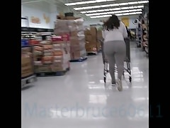 Big Buns Latina In Walmart