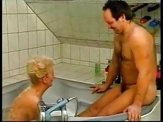Blowjob Milf Granny video: BathTub Buddies