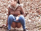 Teen piss in outdoors