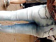 Novinha magrinha de Jeans