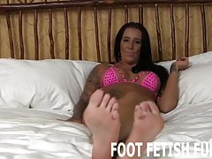 Mes pieds vont rendre ta bite si dure