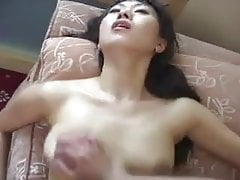Salesman Gives Hard Sell to Chinese Housewife - Cireman