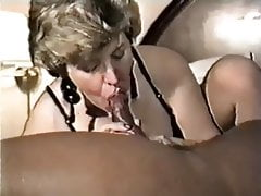 Collared Mature e Her Black Bull