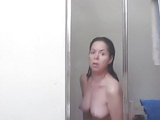 Youtuber - Crazy topless shower B. Beauty