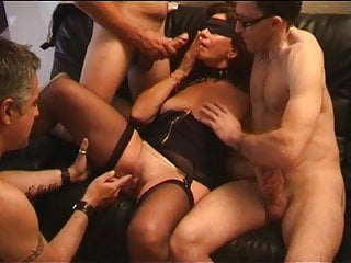 Amateur French Brunette video: gangbang de jocelyne