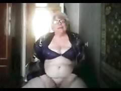 Granny (74) sur cam