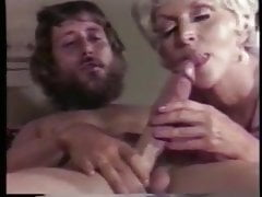 Vintage Big Boob Blondine