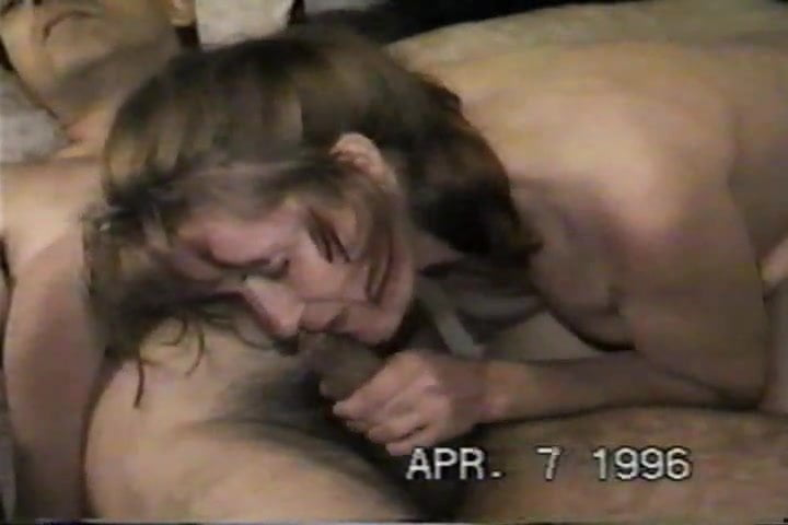 The bitch likes to see the cum come out …