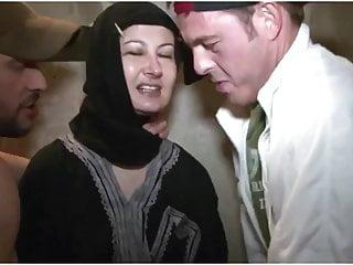 Facial Creampie Humiliation video: Beurette des caves voile Hijab