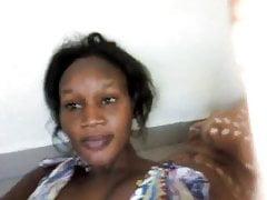 Moje africké přítelkyni video o ní sání její prsa