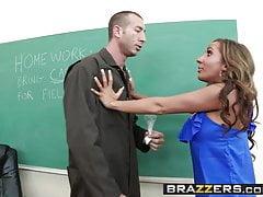 Brazzers - Tetas grandes en la escuela - Richelle Ryan y Jordan Ash