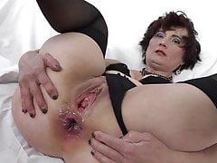 Międzyrasowy fuck dla babci, która chce seksu analnego i cipki