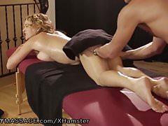 Krissy Lynn mag ihre tiefen und harten Massagen!