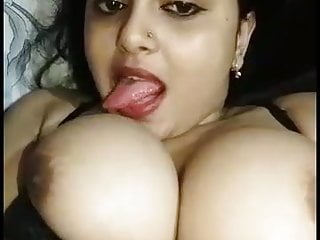 Indian Milf Bisexual video: Sexy Indian bhabhi exposed