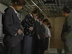 prigionieri donne asiatiche maltrattate