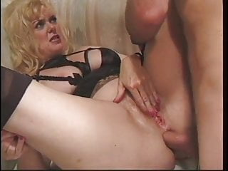 Mature video: Mature wants a cock in her arsehole