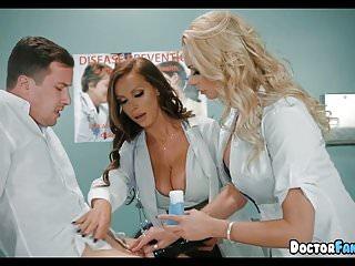 角質摩洛伊斯蘭解放陣線護士在醫院