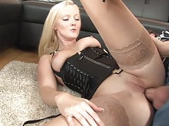 Super Poschi - Bella Blond 2
