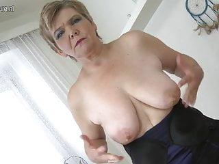 性感的老奶奶和她的老屄一起玩