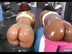 Schwarze Gym Babes