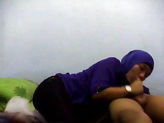 Malaysian video: Si Tudung Biru