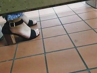 Amateur Voyeur porno: Gas Station Toilet Voyeur XXII (Young Latina In Heels)