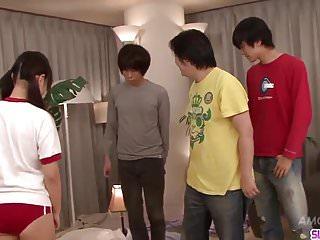 Ryo Asaka得到了公雞的嘴巴和臉上的jizz