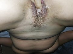 Milf Moglie così bagnata e orgasmo