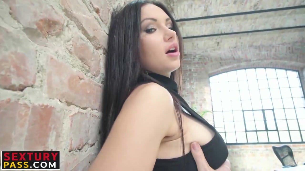 Секс в чулках на работе видео
