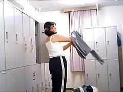 Changing Guest Bedroom - Woman In The Locker Guest Bedroom 006