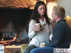 Babes - Whitney Westgate und Steven Lucas - A Christmas Surp