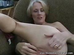 Mutter saugt und fickt Sonny Boy