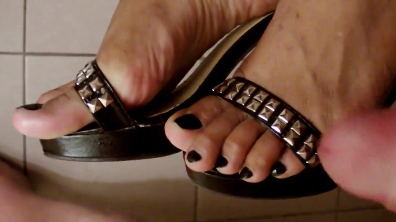Asian,Cumshot,Femdom,Foot Fetish,Pissing,HD Videos