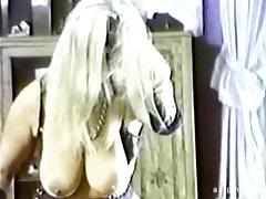 Vintage Saggy Tits Filthy Golden Shower énorme éjaculation