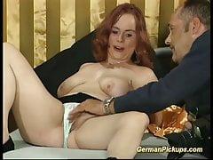 rousse allemande grassouillet dans son premier casting porno
