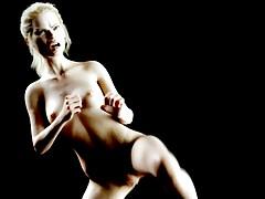 Stella Maxwell ha filmato mentre praticava il Kung Fu