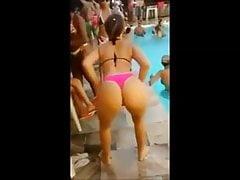 Lato w Brazylii - blond suka! tańczący funk w basenie.