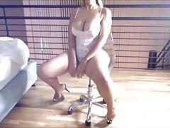 Sexy Latina mit ihrem großen Arsch und Titten 2