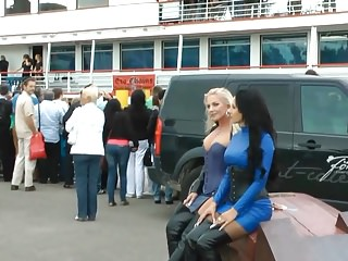 Outdoor Hd Videos vid: Girls in leather 14