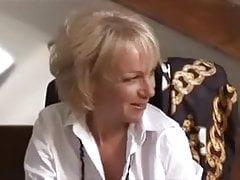 SB3 Napalone Brytyjskie Mamuśki uwielbiają sztywnego młodego kutasa!