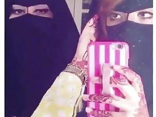 Amateur Arab porno: Sexy Arabian women Gulf Eyes