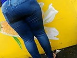 Sexy thick phat ass candid lots of meat 2