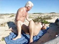 żona, gorący seks na plaży
