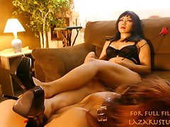 Oglądaj Teen Slave Eat Mistress Zelda's Pussy Until She Cums W